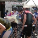 auf dem Markt von Santanyi verirrte Rennradfahrer